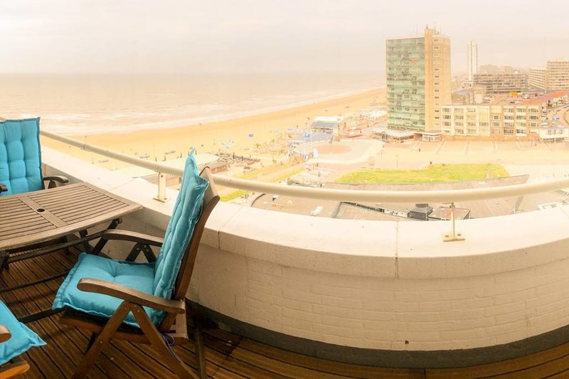 Seaview Seinpost Family Residence (4 pers) - private parking -, vakantiewoning in Zandvoort