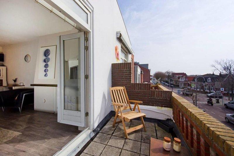 Zeestraat Family Apartment Zandvoort, sleeps 4, aluguéis de temporada em Zandvoort