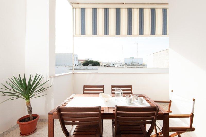 Il Marinaio - Appartamento con terrazzo vista mare, vacation rental in Melendugno