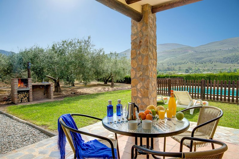 Los Tablones Villa Sleeps 4 with Pool and WiFi - 5604481 – semesterbostad i Torvizcon