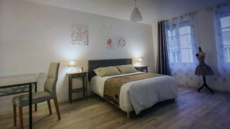 CHARME T3 DUPLEX MAISON DE VILLE, vacation rental in Seyssins