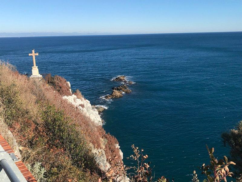 photos of the sea tower (Bergeggi)