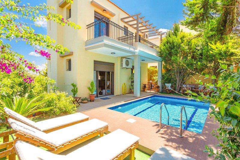 Villa Simela: Private Pool, Sea Views, A/C, WiFi, location de vacances à Prines