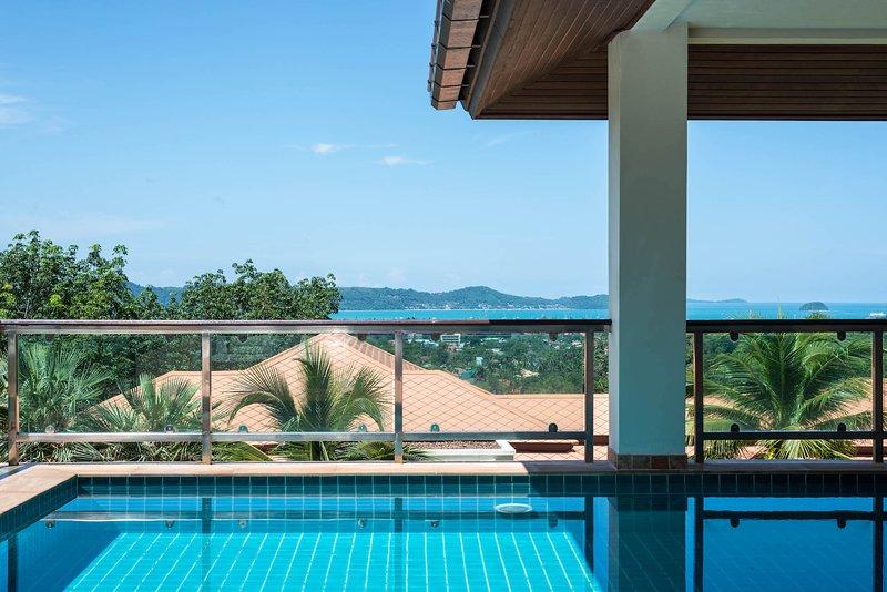 Sea View Treasure Park Pool Villa 2 With 5 Bedrooms, holiday rental in Phuket Town