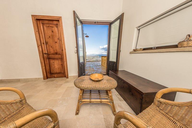 Case al Borgo-Agira Centre-Home Relais - Casa Andrea Camilleri, holiday rental in Nicosia