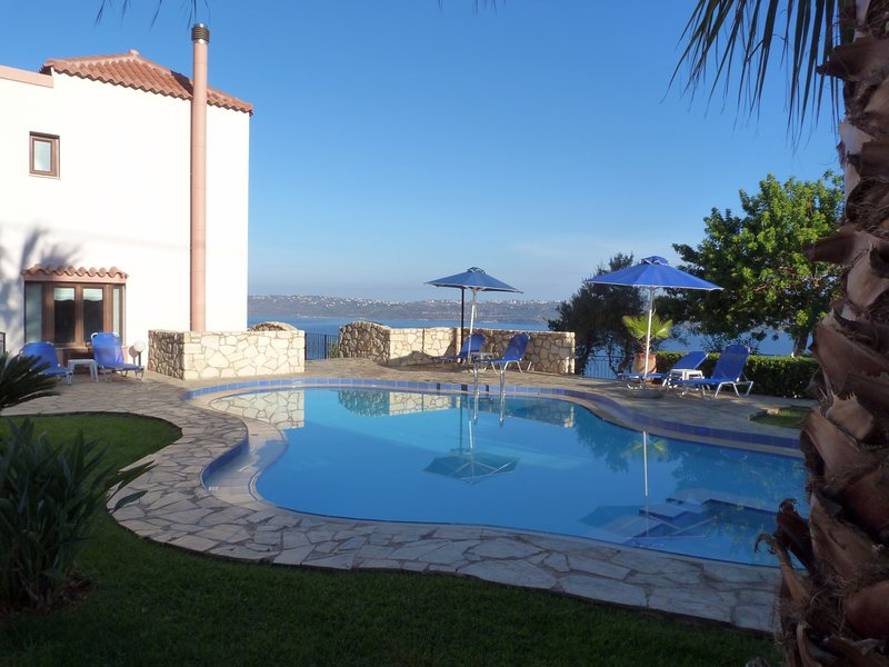 Relaxing,comfortable,sea view,pool, Ferienwohnung in Souda