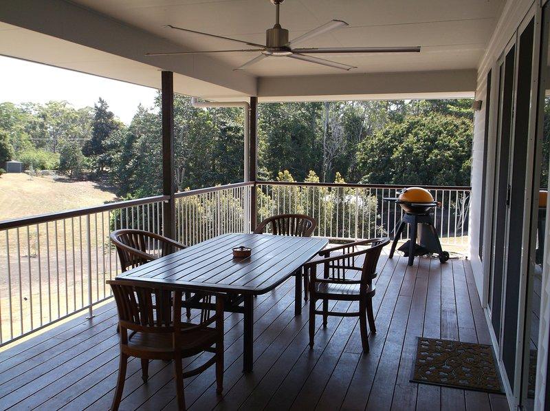La Casita Blanca Holiday Home Rental Maroochydore, Sunshine Coast, location de vacances à Yandina