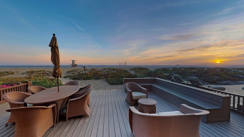 Beachfront 3 Bedroom Southern California, holiday rental in Huntington Beach