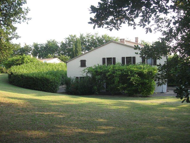 La Quercia Grande - Ferienhaus für bis zu 10 Personen, holiday rental in Montefortino