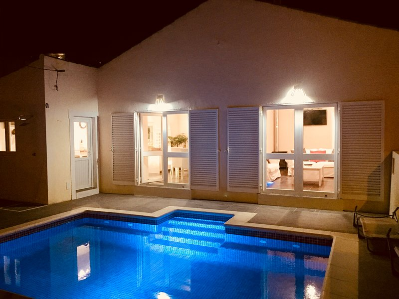3 Bedroom village house with pool, holiday rental in Salema