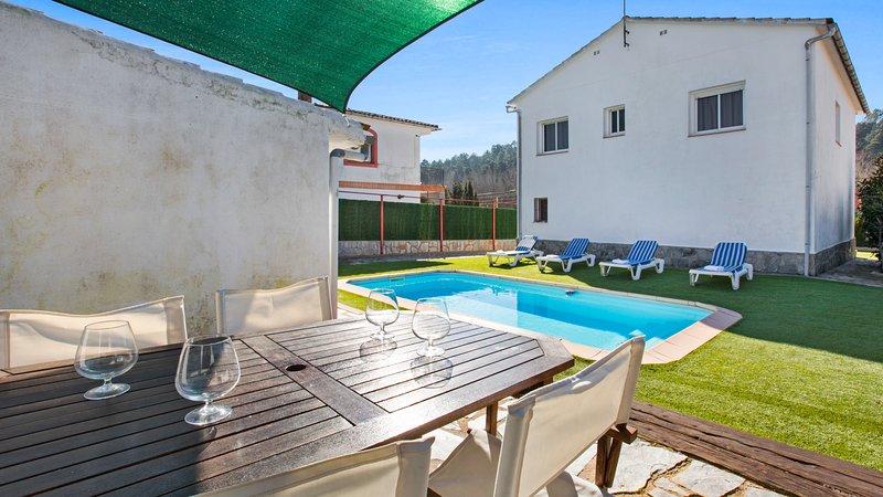 Terrafortuna Villa Sleeps 7 with Pool and WiFi - 5506774, location de vacances à Mont Barbat