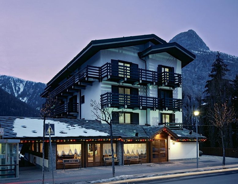 Courmayeur, hotel 4* Les Jumeaux - centrale e a 50 mt dall'impianto di risalita, vakantiewoning in Verrand
