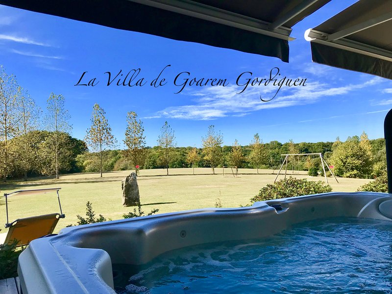 Villa**** Golf Privé - Spa - Sauna - Cheminée -Piano - Vélos - Canal+L'intégrale, vacation rental in Crozon
