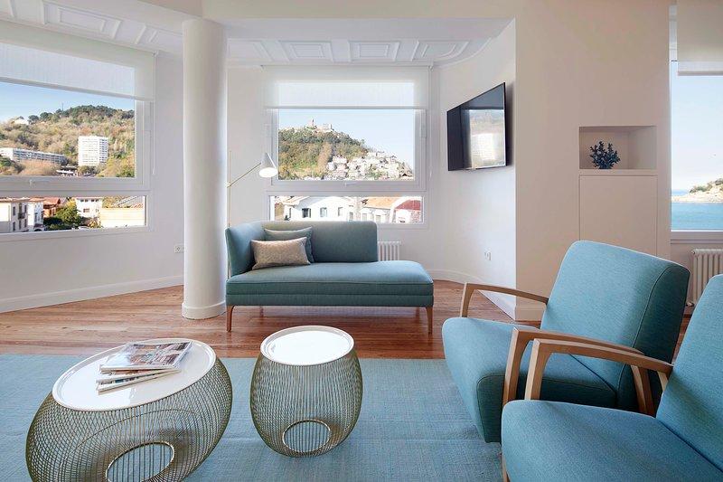 Mayflower by FeelFree Rentals, holiday rental in Igueldo