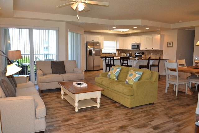 Ocean Walk 18-501 ~ OW18-501SL, vacation rental in Edgewater