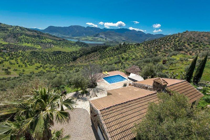 Algodonales Villa Sleeps 2 with Pool Air Con and WiFi - 5605481, vacation rental in Algodonales