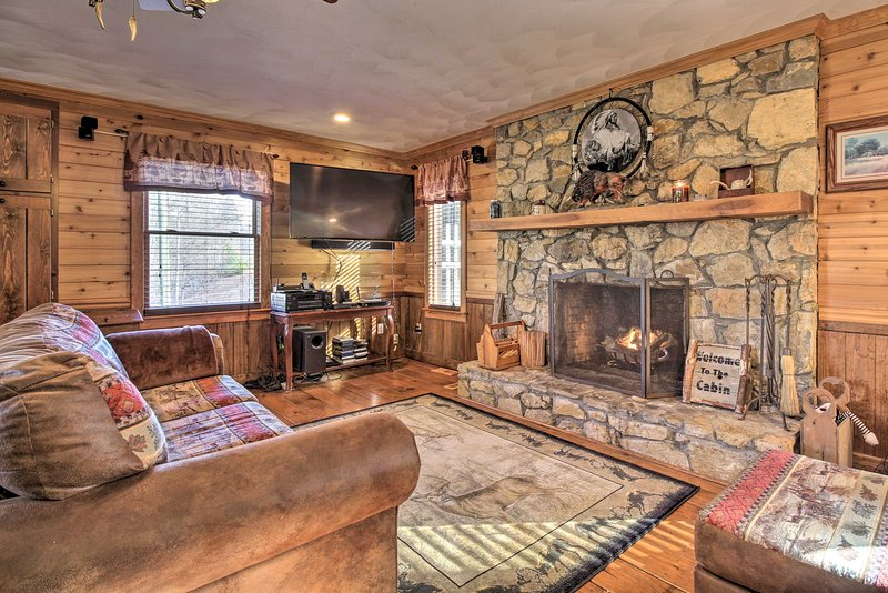 NEW! Family Cabin w/ Pool & Hot Tub by Fairy Stone UPDATED 2019