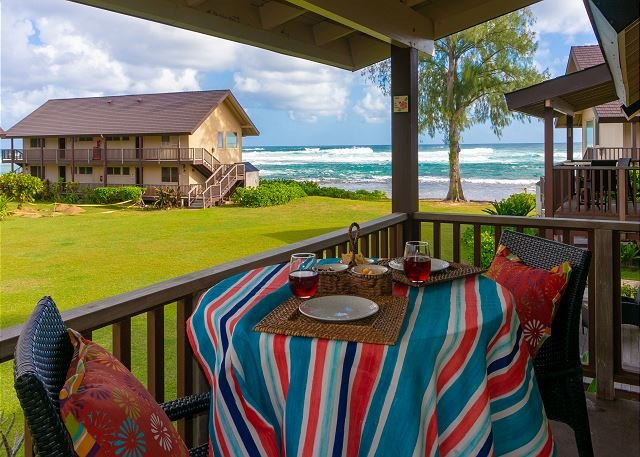 Hanalei Colony Resort E3 -on the beach, gorgeous inside, nice ocean view, holiday rental in Hanalei