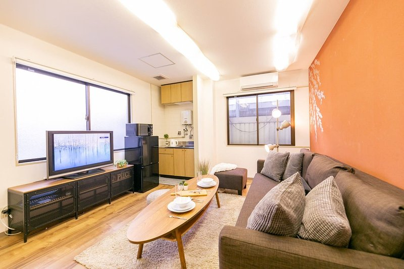 Heart of Kuromon 4BDR 10ppl KM54, holiday rental in Osaka