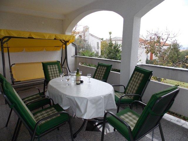 Ferienwohnung 4690-1 für 5 Pers. in Malinska, vacation rental in Malinska