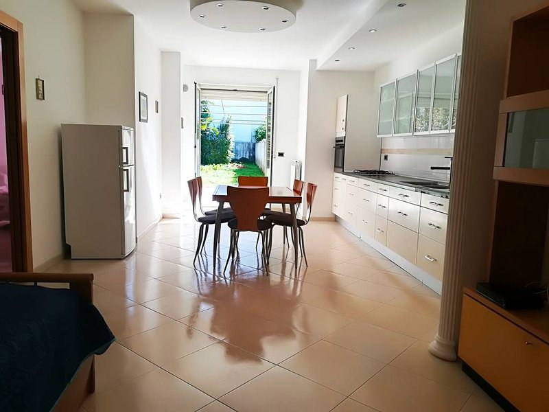 Casa vacanze iside Otranto centro, Salento 78 posti, location de vacances à Otranto