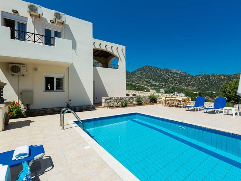 Villa Charakas, holiday rental in Axos
