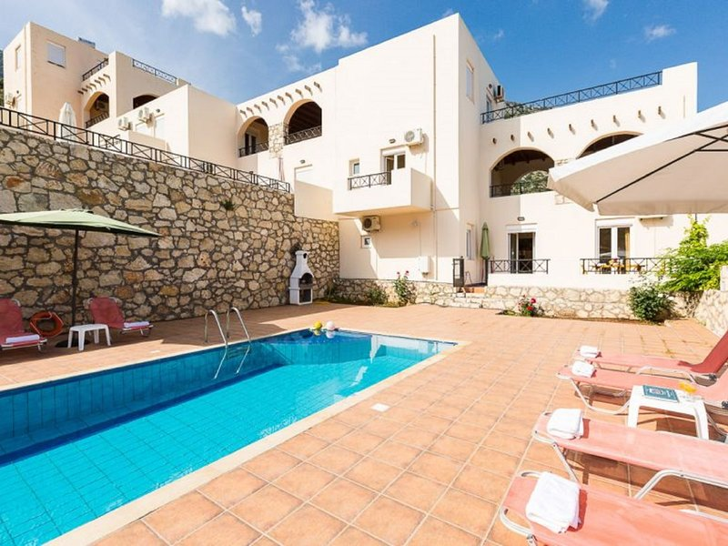 Villa Fos, holiday rental in Axos
