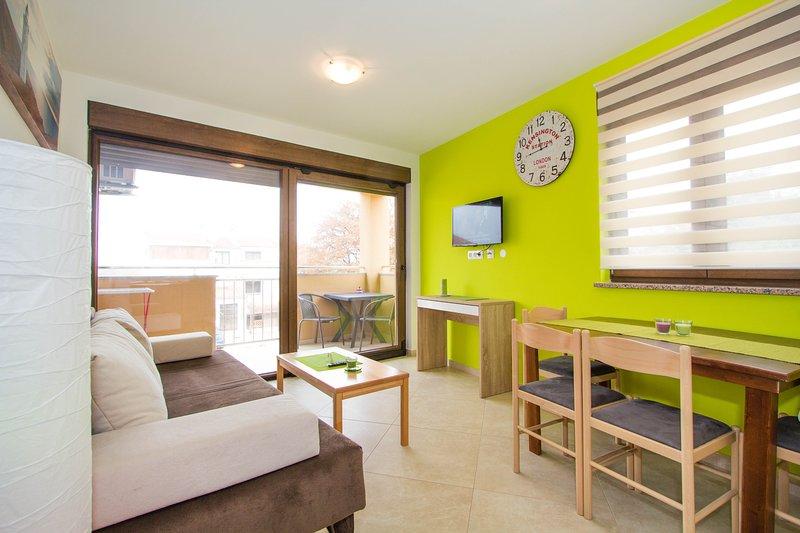 Apartment Patricija with Pool 5 near the beach, vacation rental in Cervar Porat