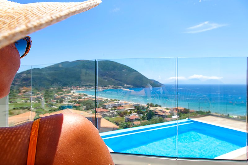 Stunning Villa Irene with Sea Views & Private Pool, vacation rental in Kontarena
