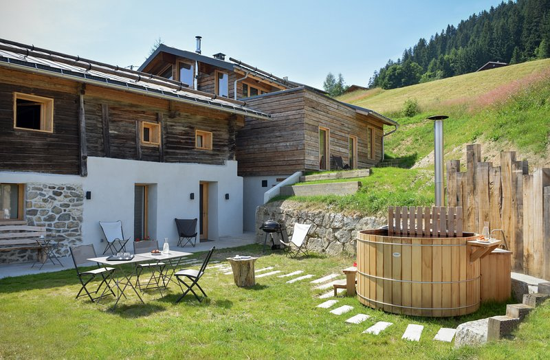Grand chalet: éco-design, Mt Blanc & bain nordique (15 personnes), holiday rental in Les Saisies