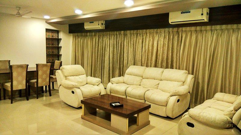 Master Suite At Juhu, holiday rental in Mumbai