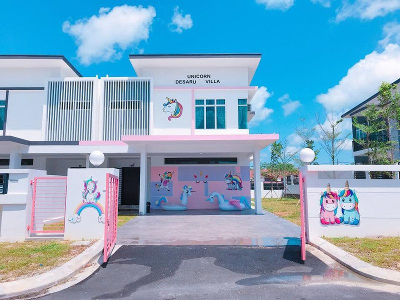 Unicorn Desaru Villa, holiday rental in Bandar Penawar