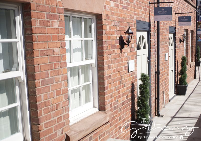 The Chester Gathering 1, Sleeps 12, vakantiewoning in Ledsham