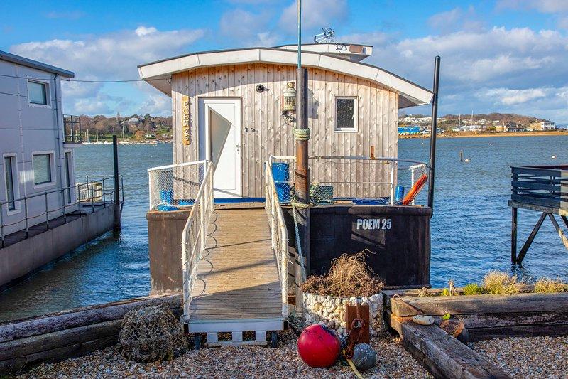 Poem 25 House Boat Bembridge Harbour Great Reviews., aluguéis de temporada em Bembridge