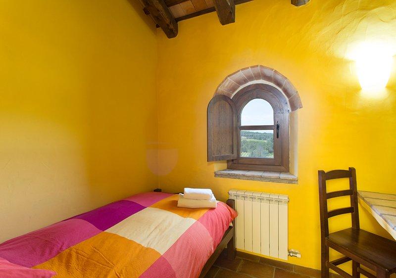 Habitación Individual / Single Bedroom 1