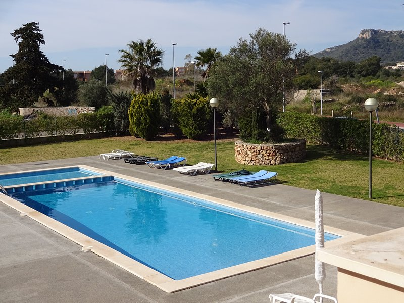 Cala Bona Pool view Sunny Rosa Apartment. Terrace/pool. Near Beach. Aircon/Wifi, vacation rental in Costa De Los Pinos