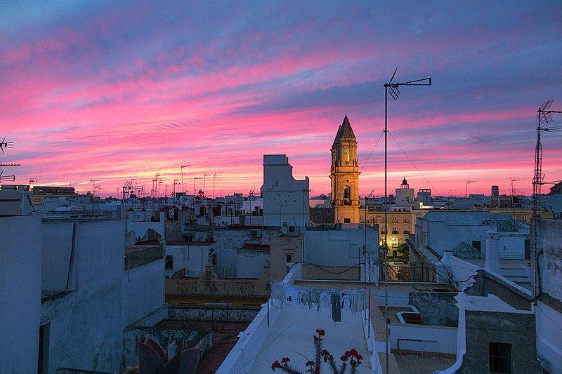 Amazing Penthouse, holiday rental in Cadiz