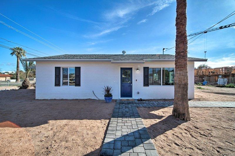 Entspannen Sie sich in diesem großzügigen Ferienhaus mit 2 Schlafzimmern und 1 Badezimmern in Phoenix.