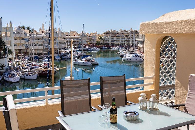 magnifico apartamento en Puerto Marina, location de vacances à Arroyo de la Miel