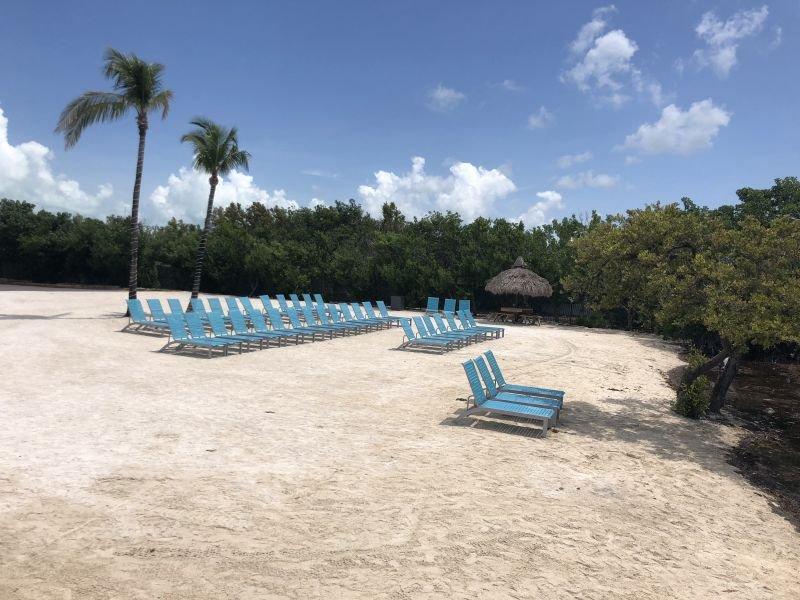 Incroyable plage de sable blanc