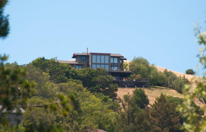 """Au sommet des collines surplombant """"Sleepy Hollow"""" à San Anselmo"""