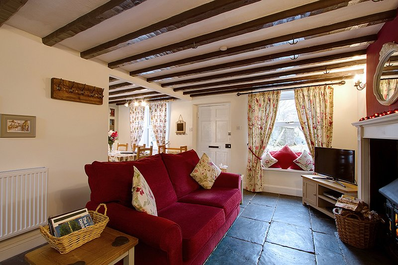 Riverside Cottage, Traditional Cumbrian Cottage in the Duddon Valley, Sleeps 5, vacation rental in Duddon Valley