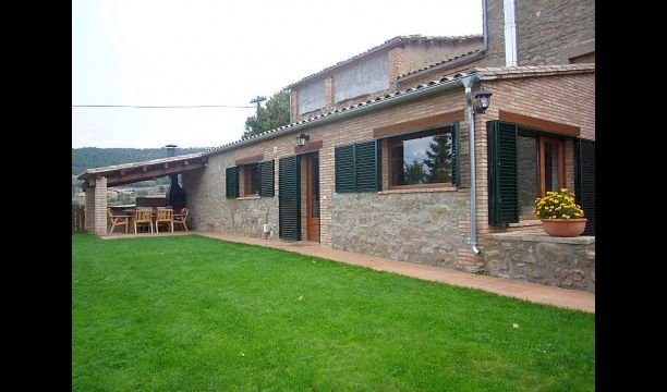Solsona Villa Sleeps 7 with Pool - 5622279, alquiler vacacional en Cardona