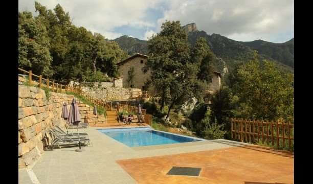 la Nou de Bergueda Villa Sleeps 4 with Pool - 5622575, holiday rental in Olvan