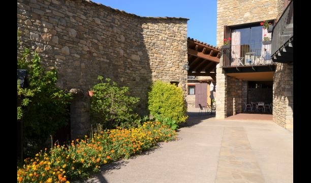 Guardia de Tremp Villa Sleeps 4 with Pool and Air Con - 5623997, holiday rental in Camarasa