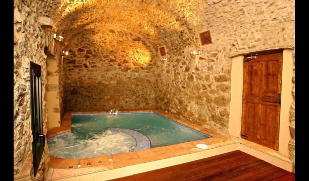 Capmany Apartment Sleeps 5 with Pool and Air Con - 5622319, alquiler vacacional en Agullana