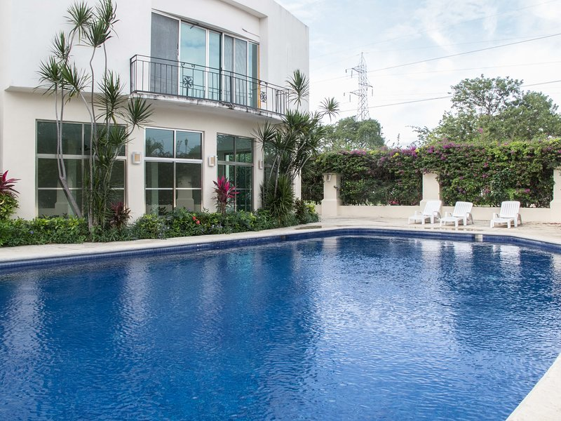 AMAZING PERFECT FIT FAMILY GROUPS CANCUN MEXICO, holiday rental in Cancun