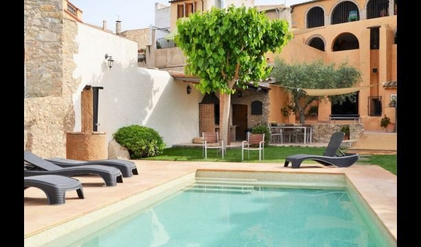 Capmany Apartment Sleeps 5 with Pool and Air Con - 5622318, alquiler vacacional en Agullana
