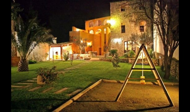 Capmany Apartment Sleeps 6 with Pool and Air Con - 5622311, alquiler vacacional en Agullana