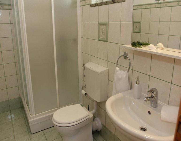 A2 mali (4): baño con inodoro.